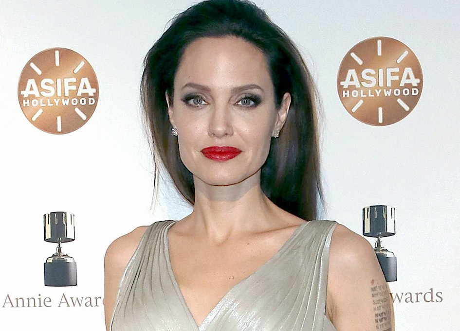 Angelina Jolie, DGA Awards, Box Office, SNL in the news