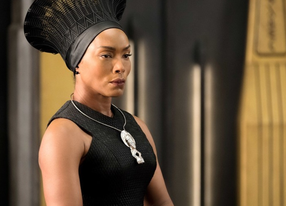 Angela-Bassett-Black-Panther-Interview