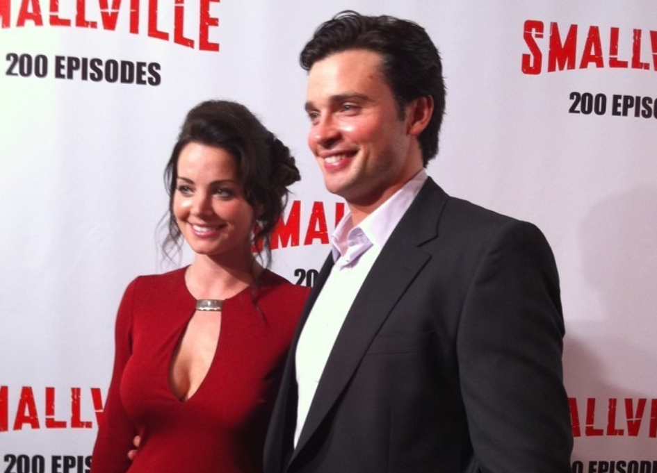 Welling, Durance 'Smallville' reunion in 'Crisis' event